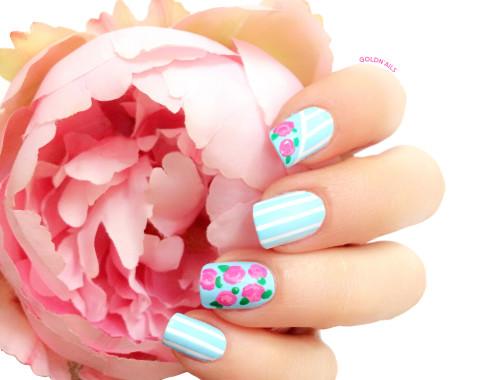 תמונה של ציפורני פרחים בסגנון וינטג'