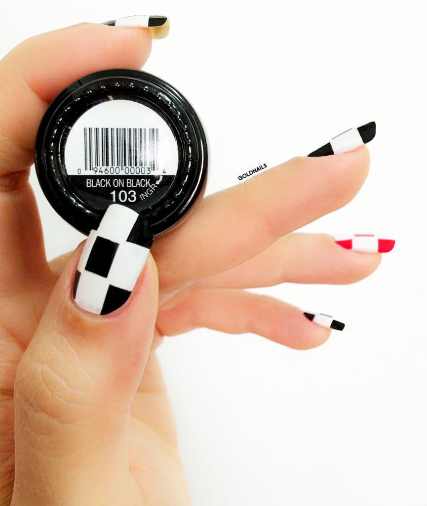 ציפורניים במראה דמקה בהשראת בית האופנה ליברטין אוחזות בלק שחור של סינפול