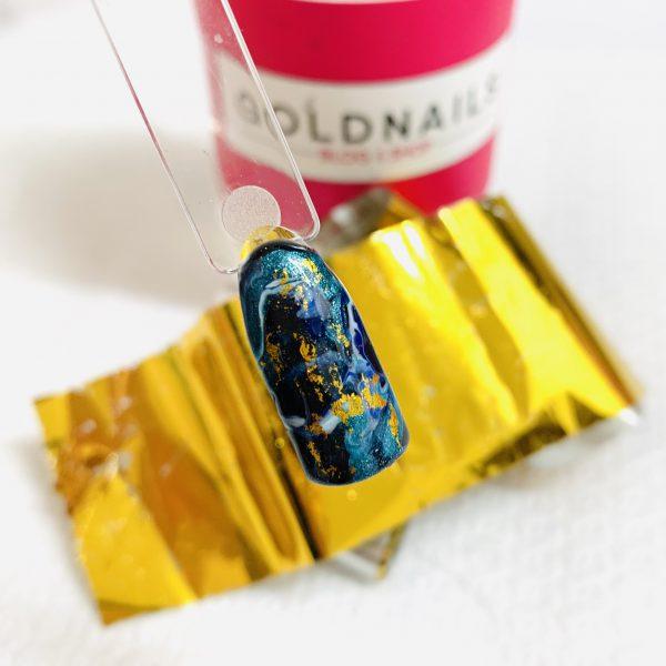 ציפורני מארבל בתוספת נייר פויל זהב של גולדניילס