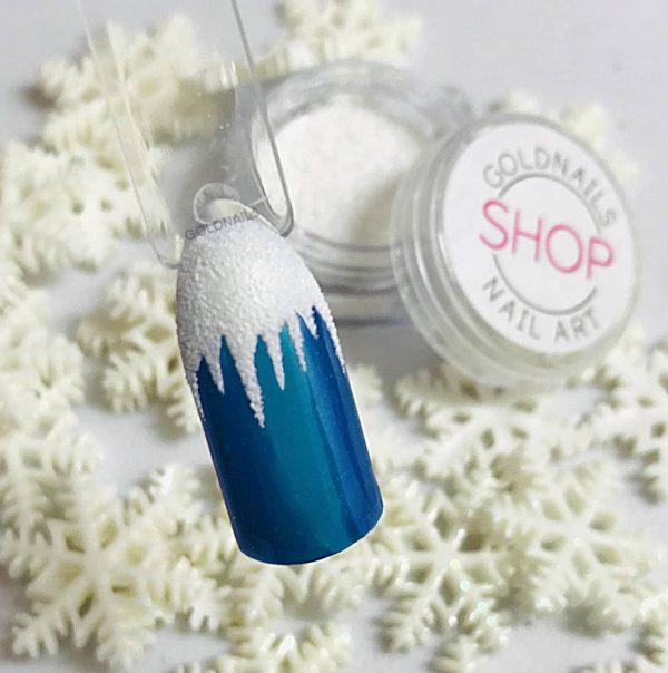 נטיפי קרח על הציפורניים עם אבקת שלג של גולדניילס